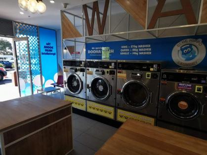 Altona Meadows Laundromat