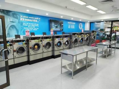 Blue-Hippo-Roxburgh-Park-Coin-Laundry