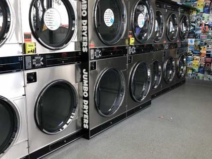Blue-Hippo-Laundromat-Taylors-Hill